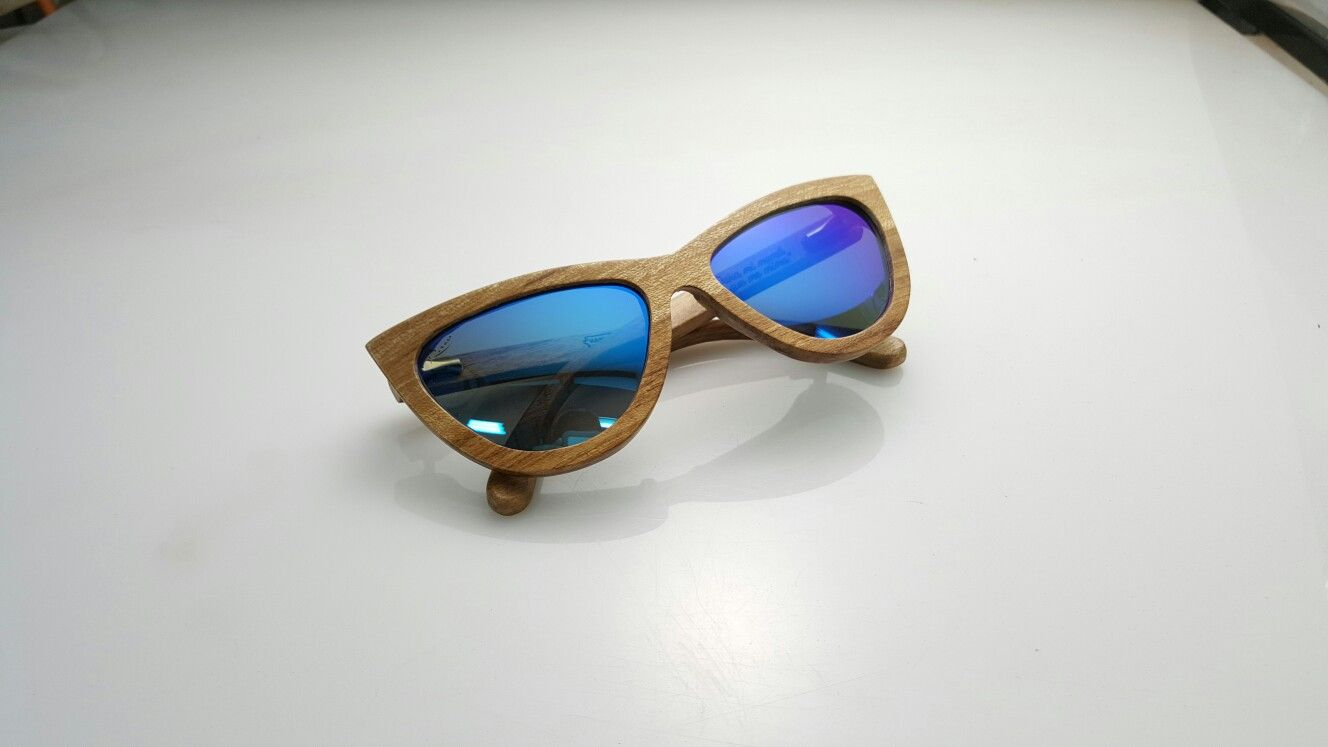 25f345162f Raw Eyewear wooden sunglasses handcrafted in Puerto Rico with local woods  Modelo Camuy Madera Capa Prieto Lente Midnight Blue