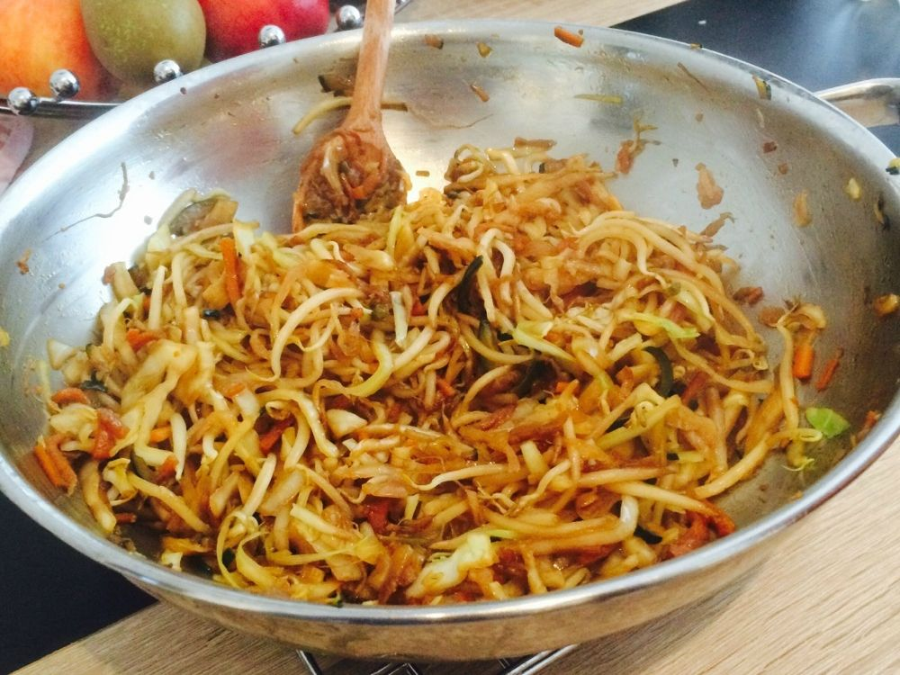 Photo of Vegetarian wok vegetables with egg noodles | Recipe | Kitchen stories