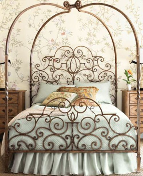 chic iron bed queen size from thehunt.& repin of Vanessa Doffo