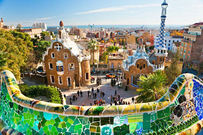 Barcelone r alis par gaud le parc g ell fut imagin et for Barcelona jardin gaudi