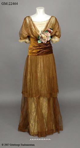Evening dress, 1910s