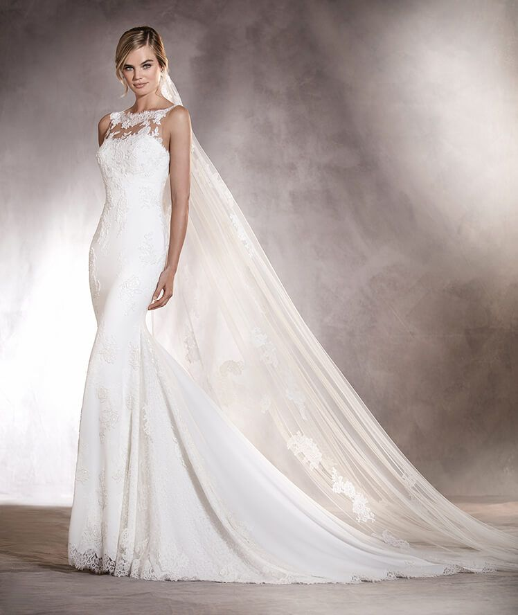 agata - vestido de novia en crepe, con silueta sirena y escote corazón