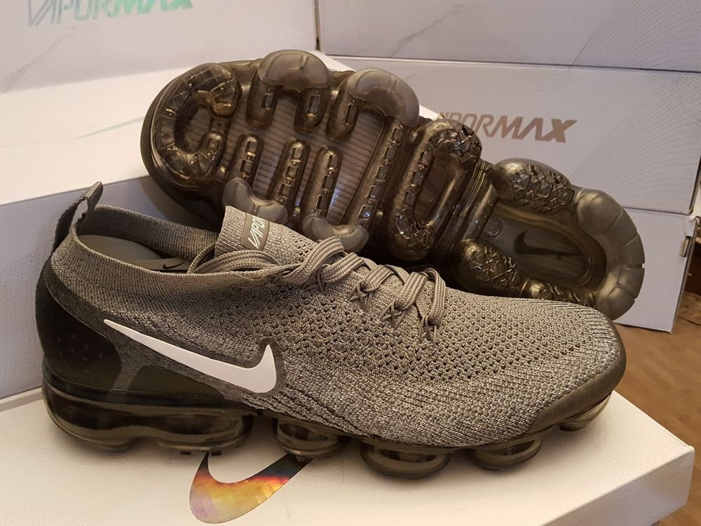 newest collection 8616f 743f3 Men's Nike Air Vapormax Flyknit Grey & Black size 10 ...