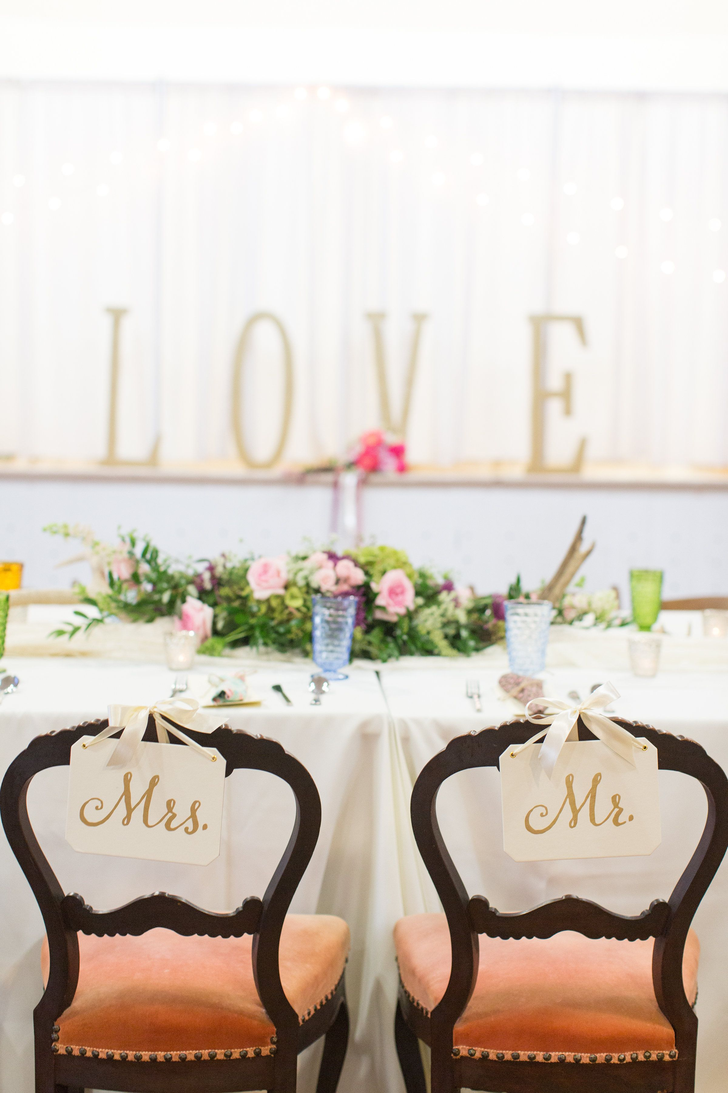 Lovely winfrey point wedding reception dixidoesvintage rentals by lovely winfrey point wedding reception dixidoesvintage rentals by dixie does vintage in dallas tx and photo by michelle rice photography junglespirit Choice Image