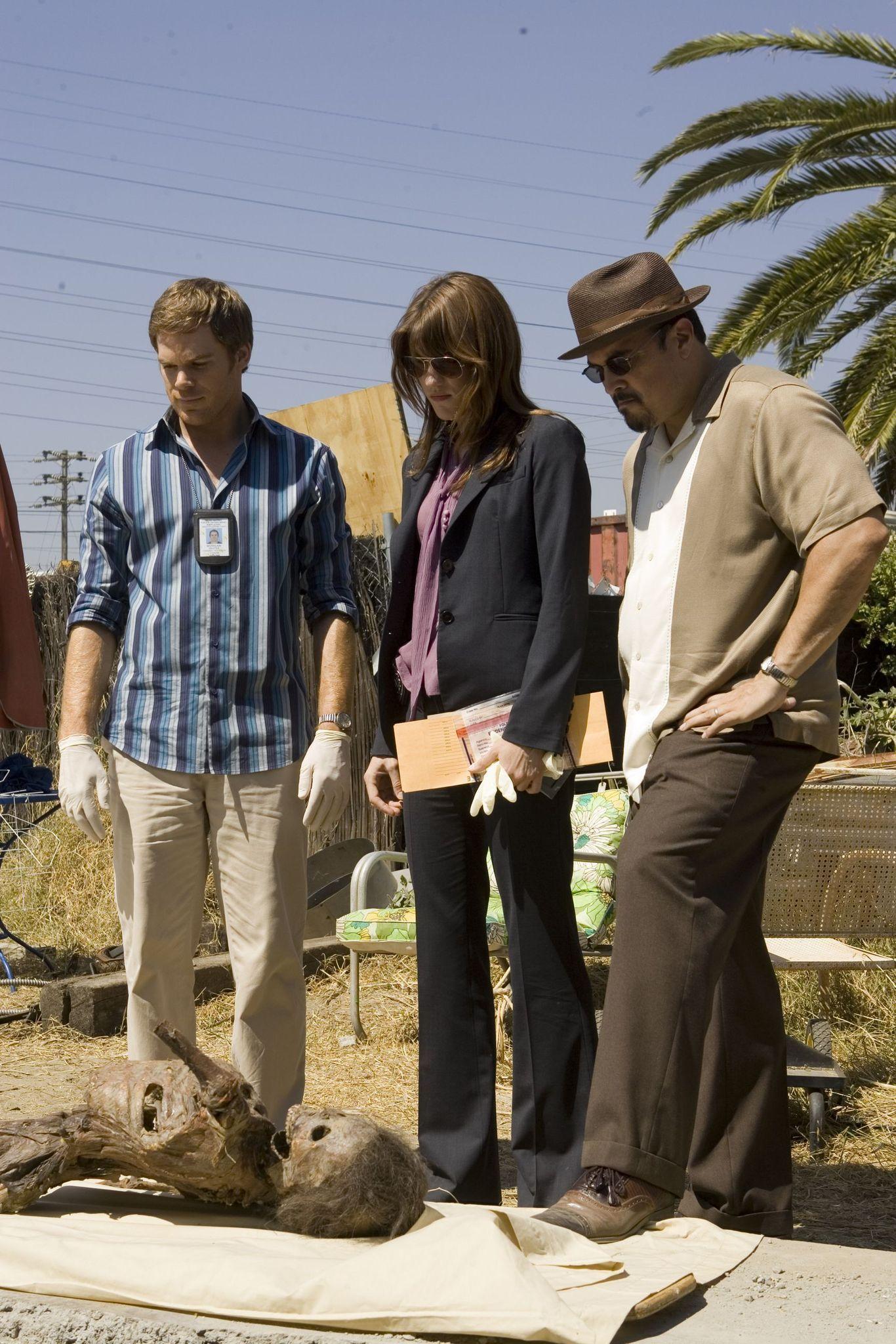 Dexter - Season 1 Episode 7 Still