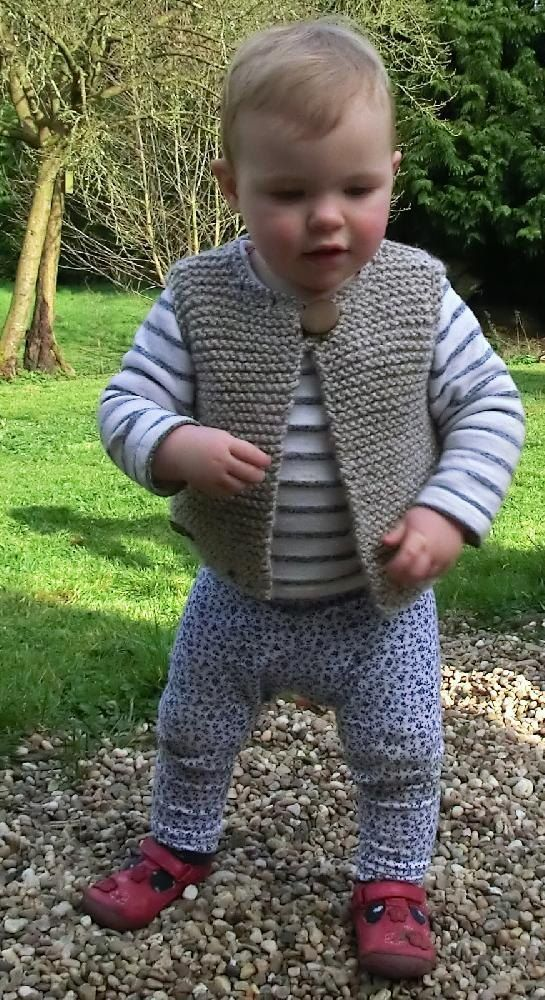 Easy Baby and Child\'s Gilet   Pinterest   Baby warmer, Knitting ...