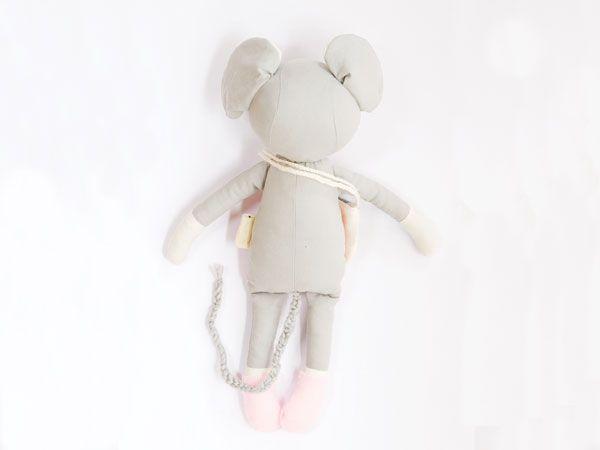Knuffel Onni de muis - Wonen voor jou #knuffelvoorjou Knuffel Onni de muis - Wonen voor jou #knuffelvoorjou