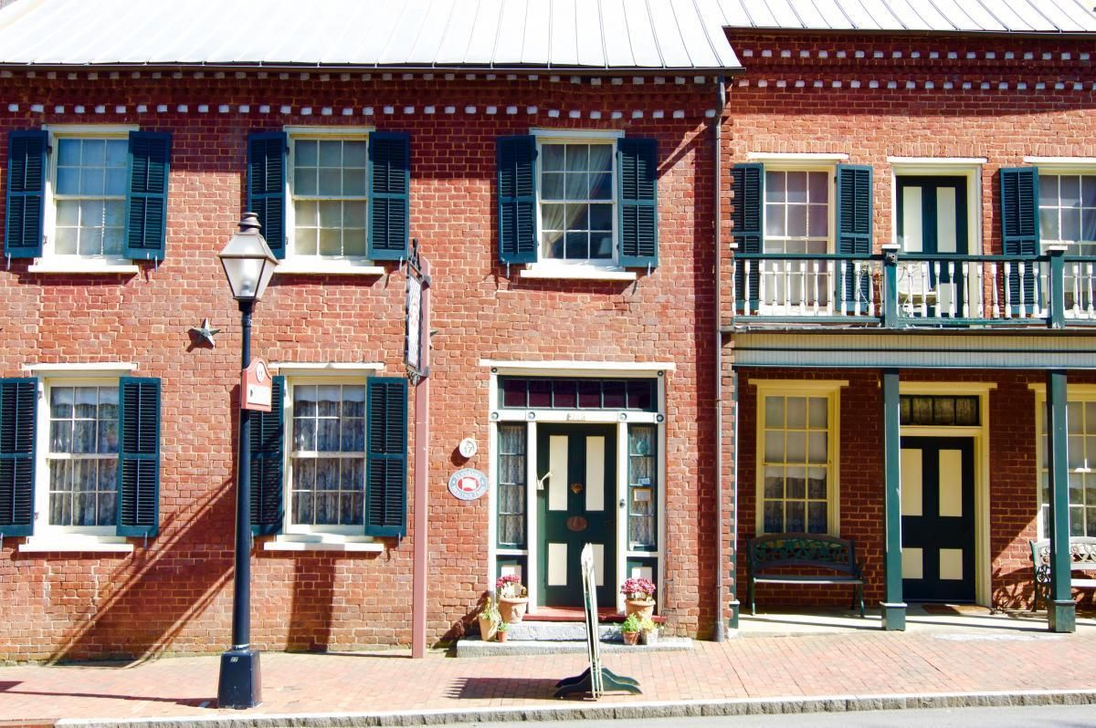 Jonesborough Tennessee's Oldest Town Has a Vibrant Story