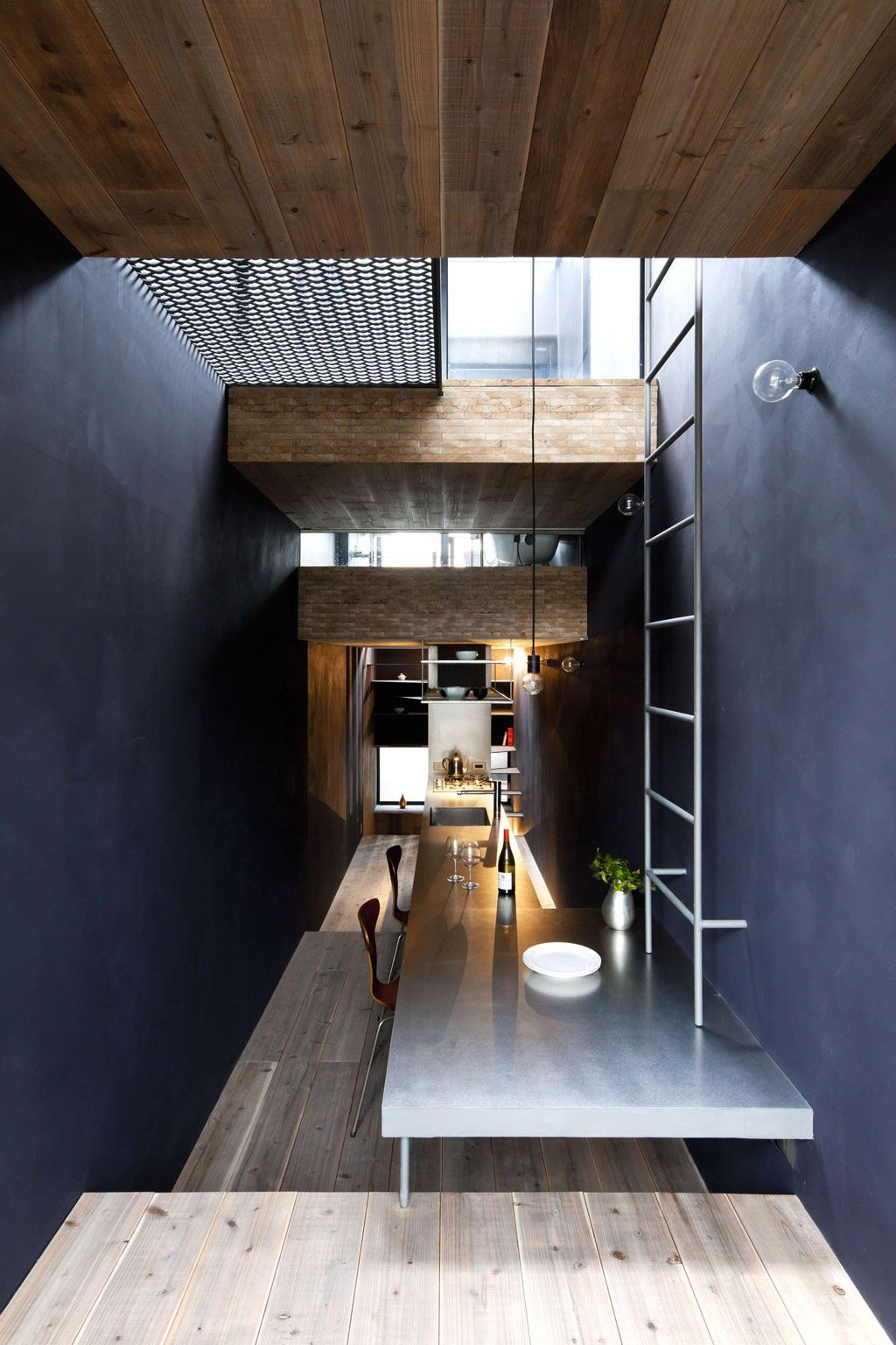 Toshima long and narrow house dining area