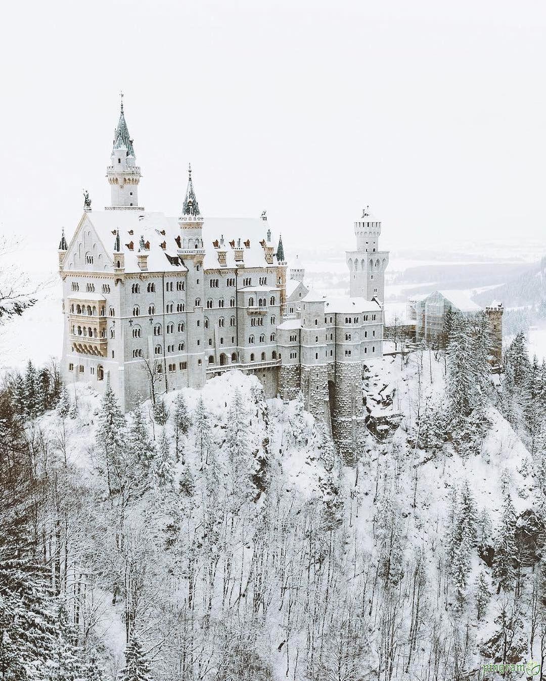 Marchenhafte Umgebung Schloss Neuschweinstein Deutschland Foto Von Nature Wer W Neuschwanstein Fotoideen