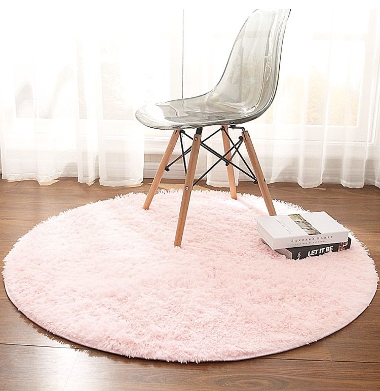 Pink Round Rug With Images Fluffy Rug Rugs On Carpet