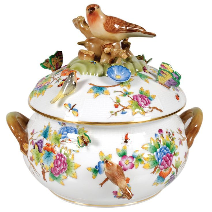 Amazing - embellished Queen Victoria tureen