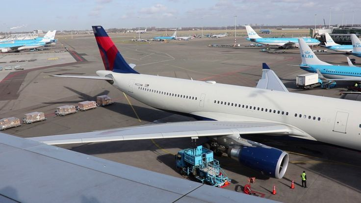 Delta Air Lines DL139 N822NW Airbus A330302 from Amsterdam Schiphol to Detroit 210217