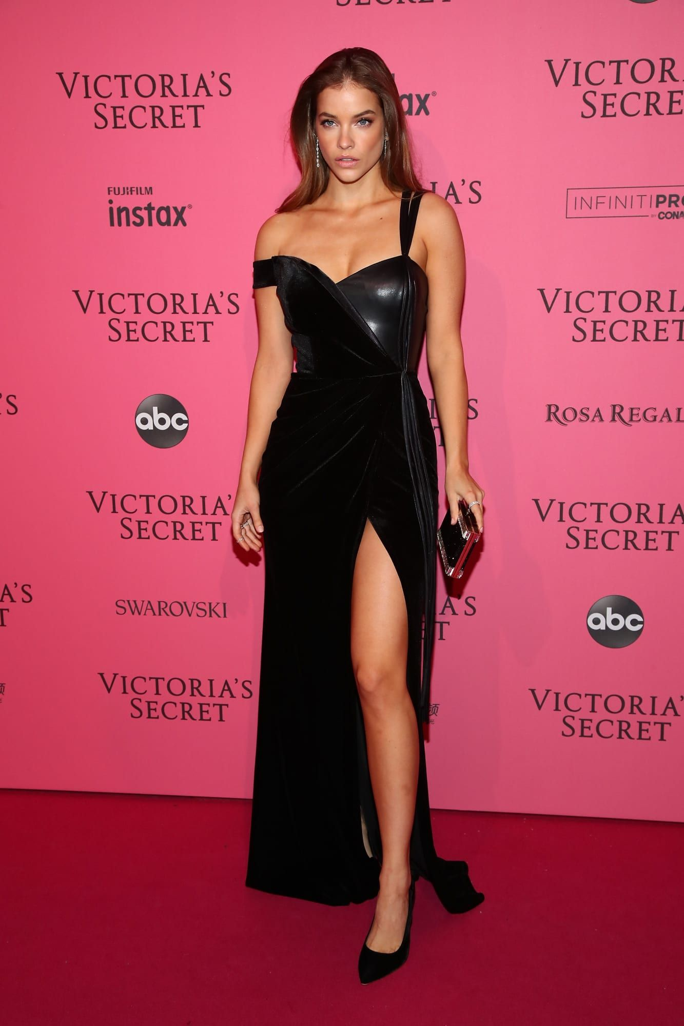 af659ac62cb See What Everyone Wore to the 2018 Victoria s Secret Fashion Show ...