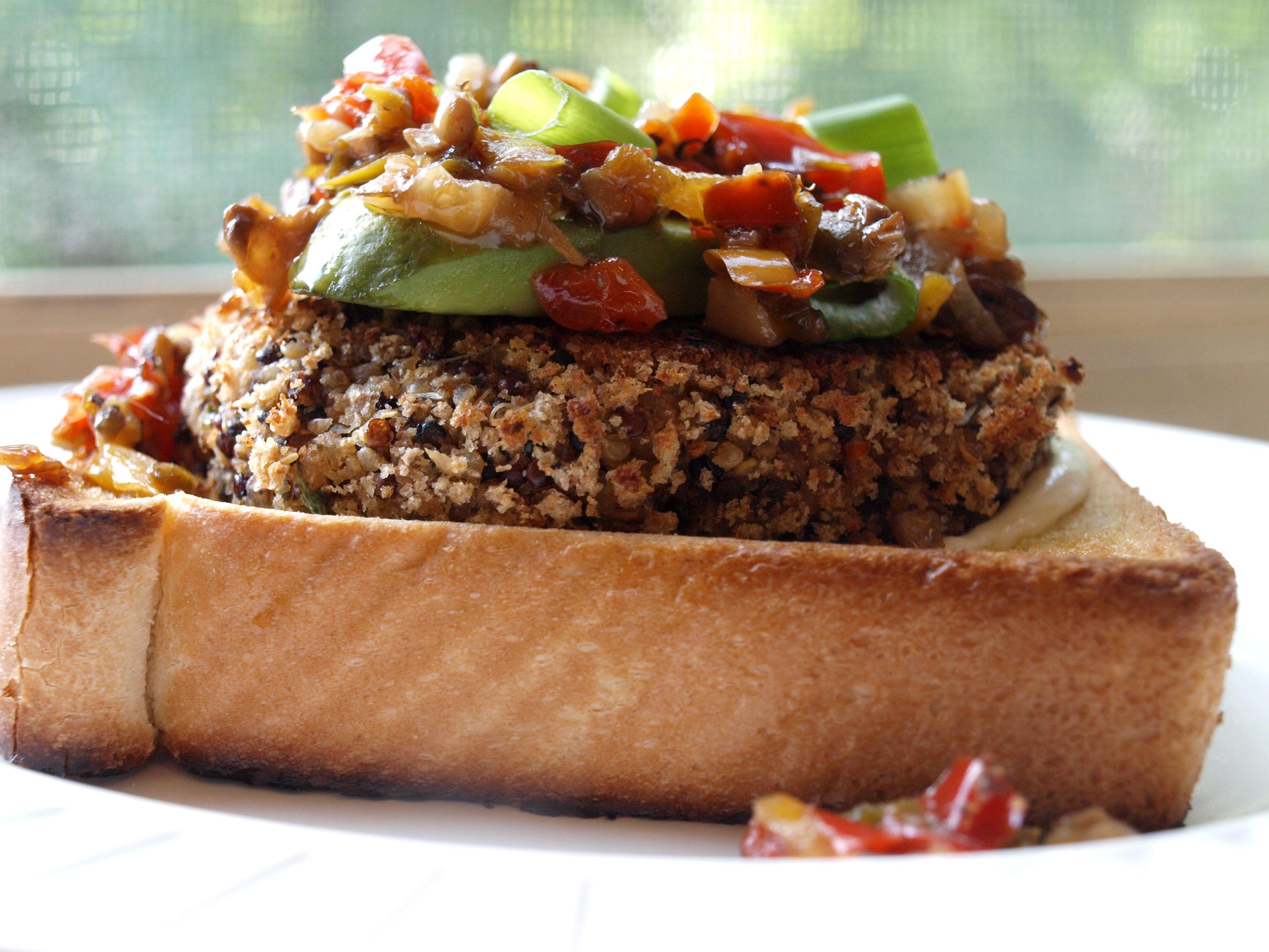 Quinoa burger sandwich - Veggie & the Beast Feast