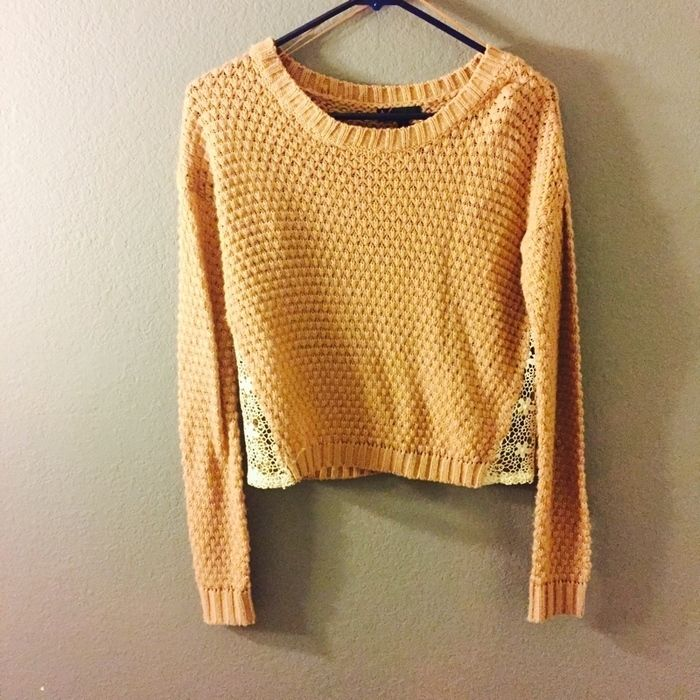 Sweater    [url]: http://www.vinted.com/sh/clothes/14964801-blush-knit-sweater