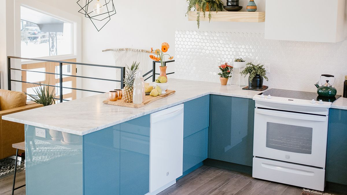 5 Signs You Need to Upgrade Your Kitchen | Kitchens, Kitchen ...