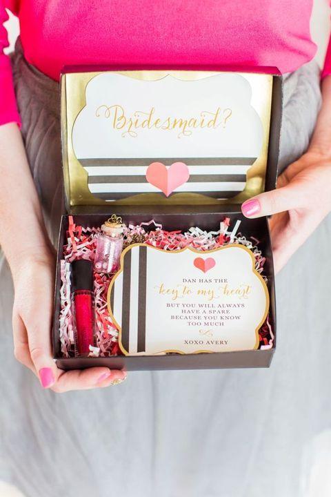 42 Creative 'Will You Be My Bridesmaid' Ideas   HappyWedd.com