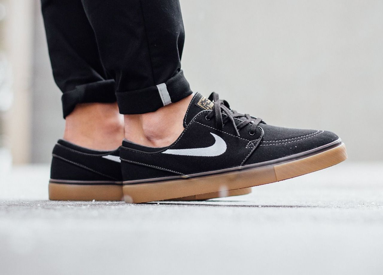 size 40 aeaa5 41859 official nike zoom stefan janoski pr se black metallic gold gum medium  brown white eaf88 63484  ireland nike sb stefan janoski canvas black gum  1029b a8cdd