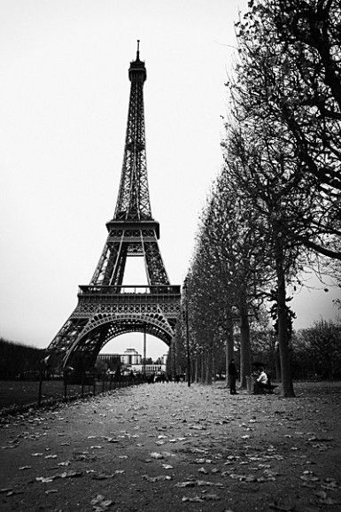 A stroll through paris is what i would like right now