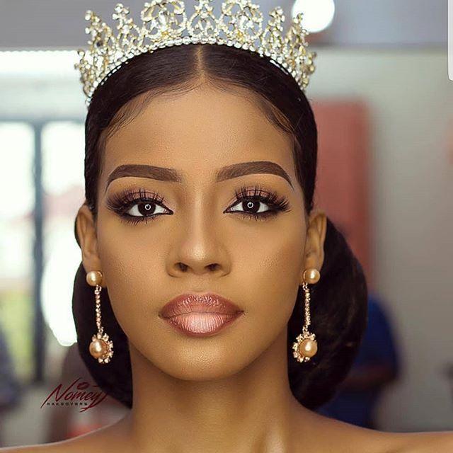 Black Wedding Hairstyles With Crown: Gorgeous Bridal Makeup. Simple Yet Elegant