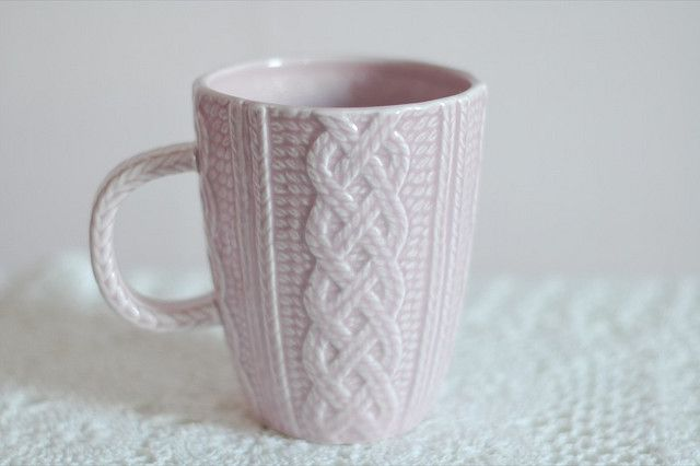 Good Ceramic Cup With Knit Cables Pattern
