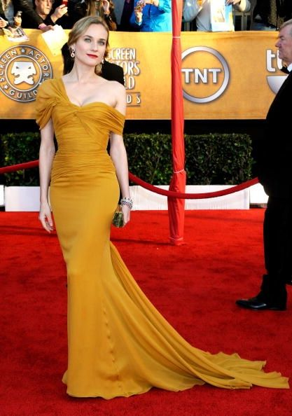 a61e1ddda74 The Can t-Miss Red Carpet Combo  A Yellow Dress With Red Lips