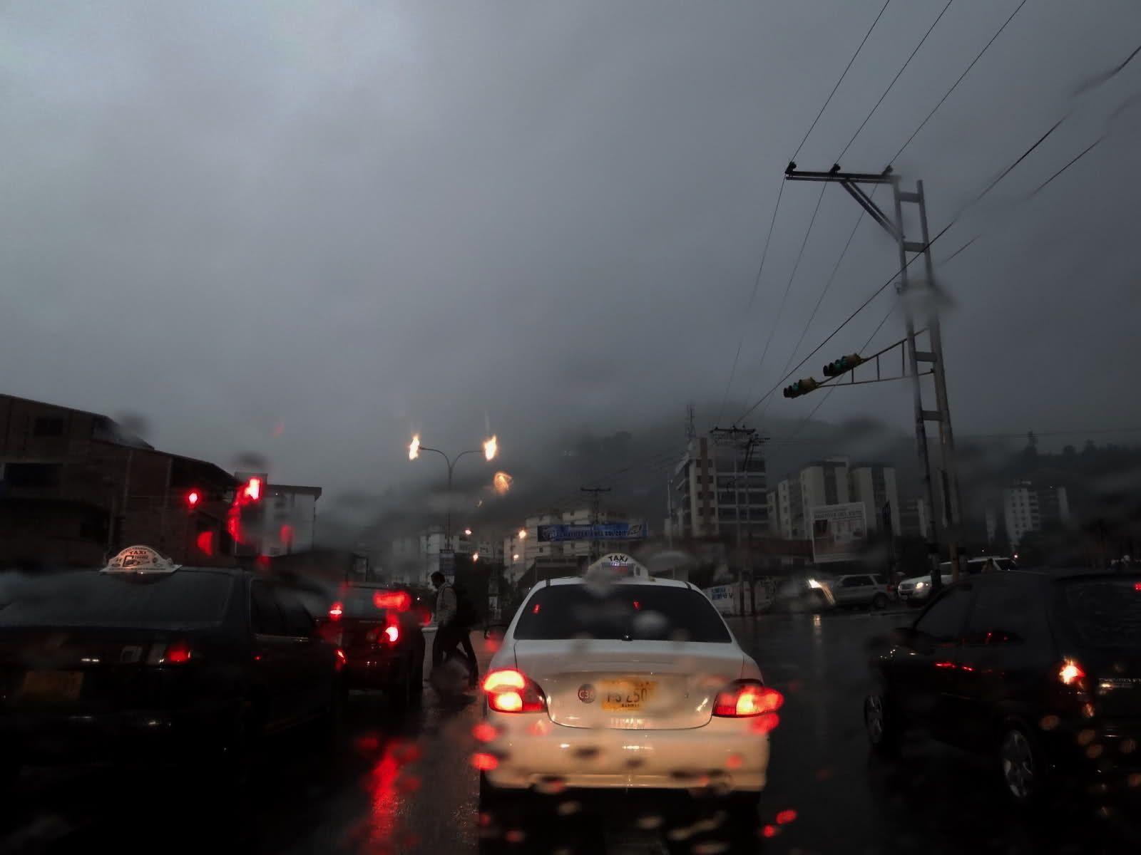 FOTO DOS Así fue el día de hoy en #Merida #Venezuela y parece que la noche tambien