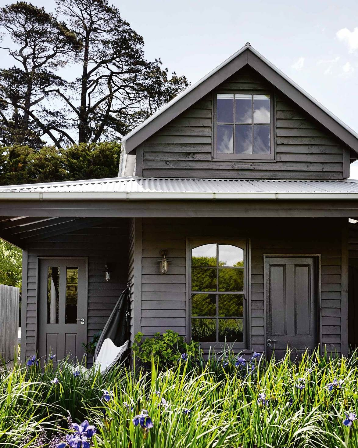 Country Style Farmhouse Style Exterior Gray House Exterior Black House Exterior