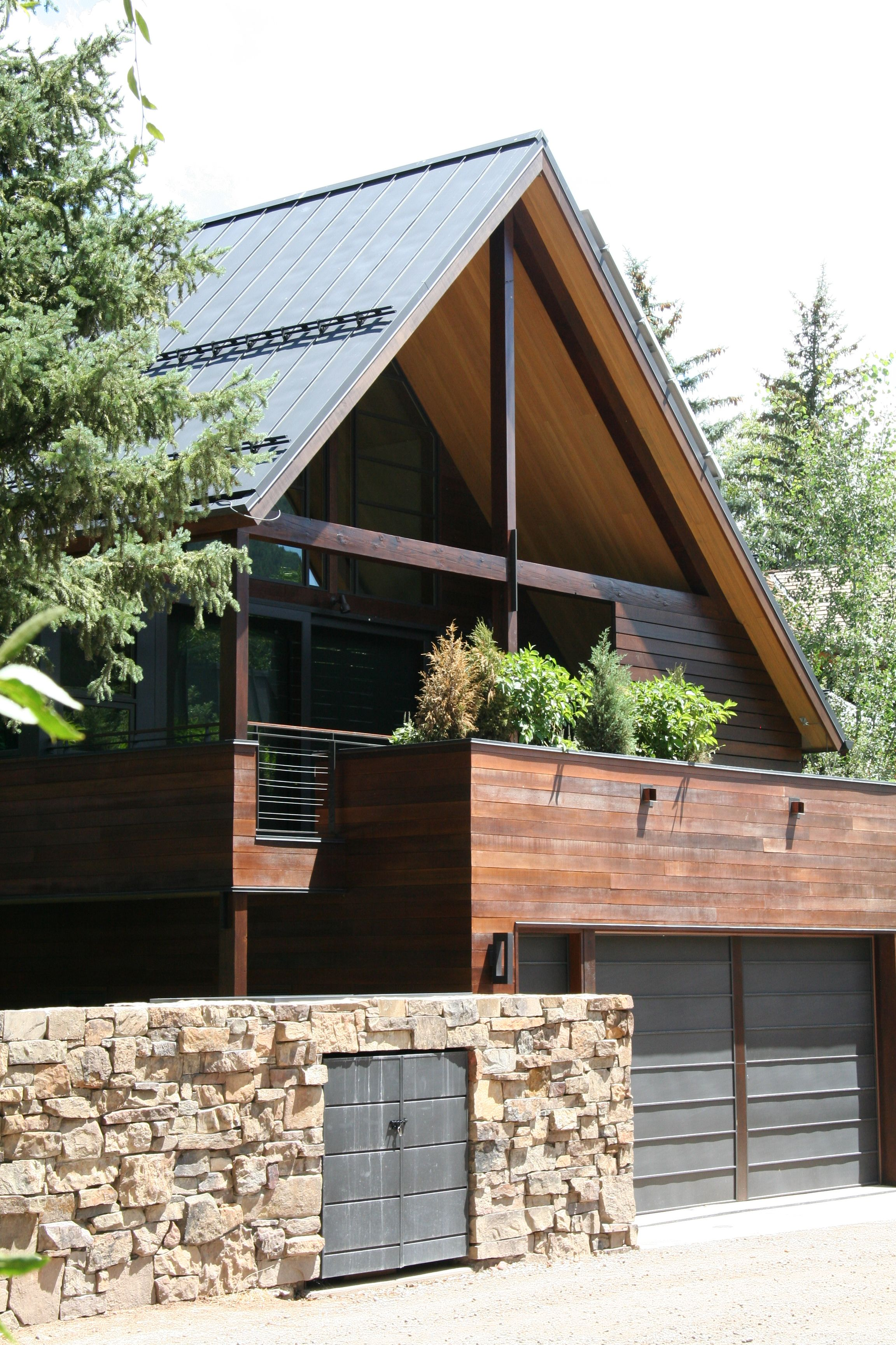 Best Modern Gable By Ccy Architects Roof Architecture Green 640 x 480