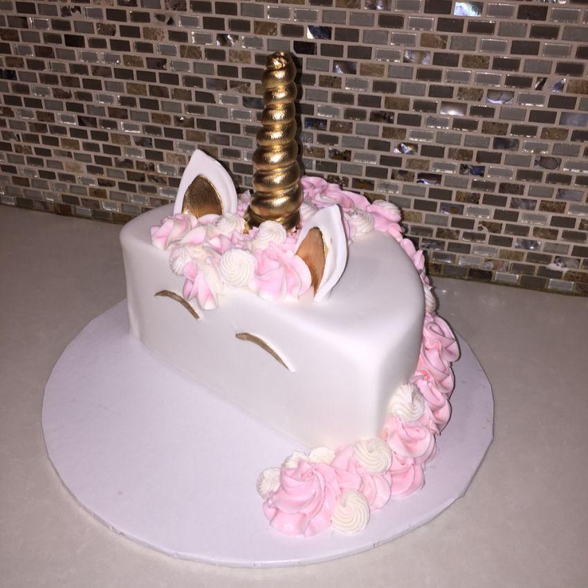Unicorn half birthday smash cake🦄🎂👶🏼 #unicorncake # ...