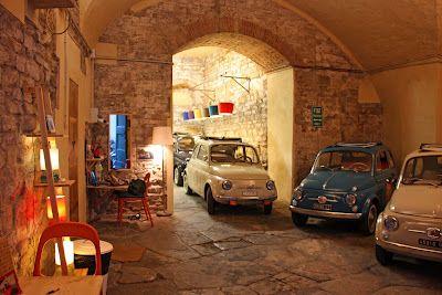 Fiat garage so cute i love fiats pinterest fiat for Garage fiat coignieres 78