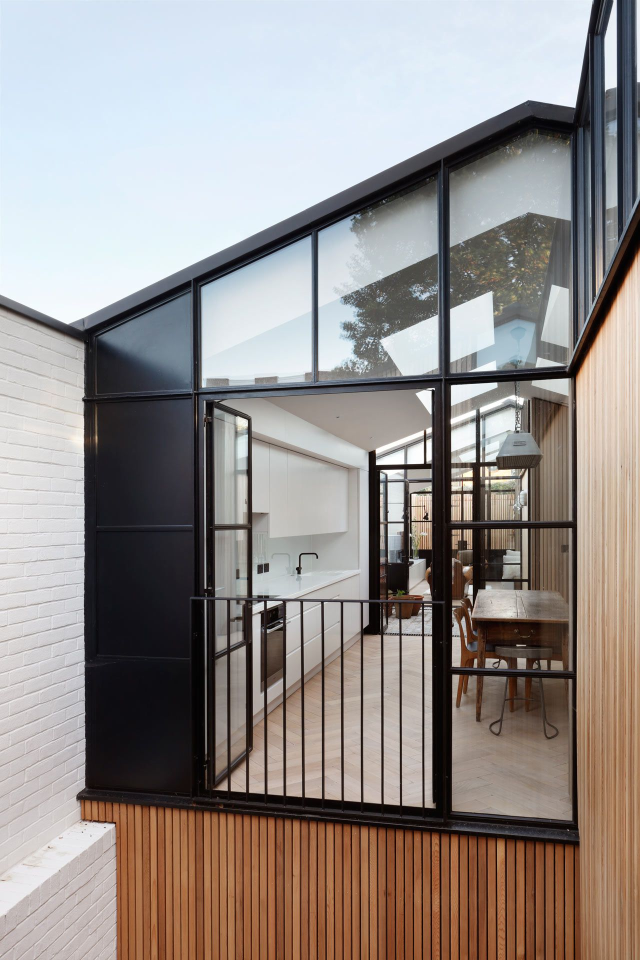 Courtyard house deroseesaarchitects 7a design milk
