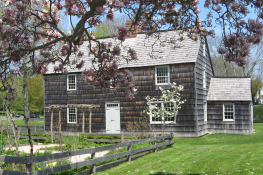 Mulford Farm, East Hampton NY – c.1680, restored in 2008 by the East Hampton Historical Society in partnership with Ralph Lauren.  Read all about the restoration, here: http://bit.ly/Ta2egC