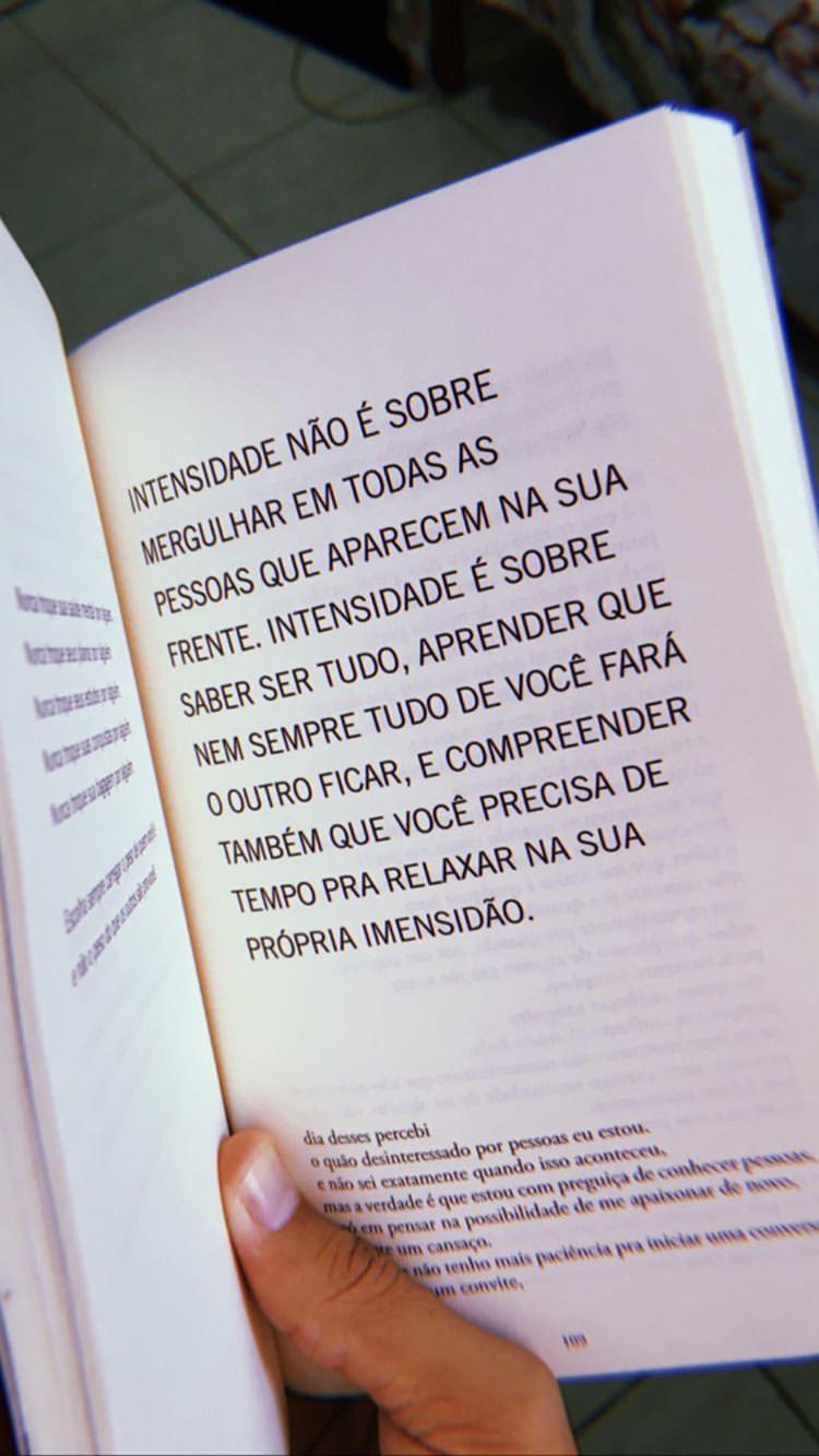 Livro Para Todas As Pessoas Intensas Textos E Frases