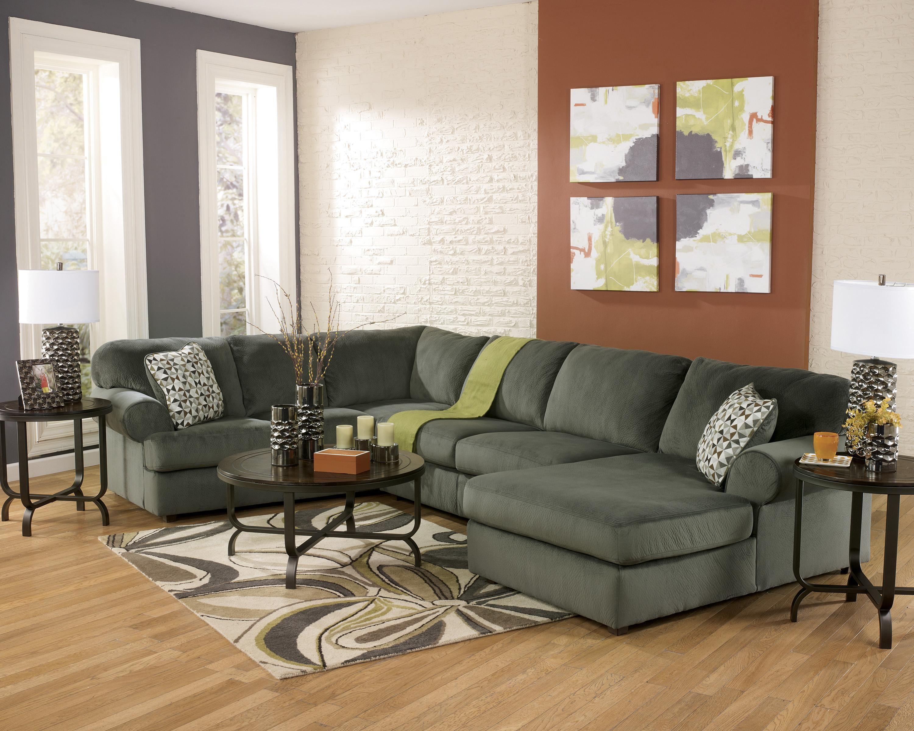 Jesse Place Pewter Casual Sectional Sofa w Right Chaise by