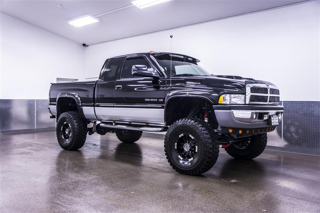 2002 dodge ram 2500 slt 4x4 lifted 4x4 w only for sale liftedtruckz i could drive this. Black Bedroom Furniture Sets. Home Design Ideas