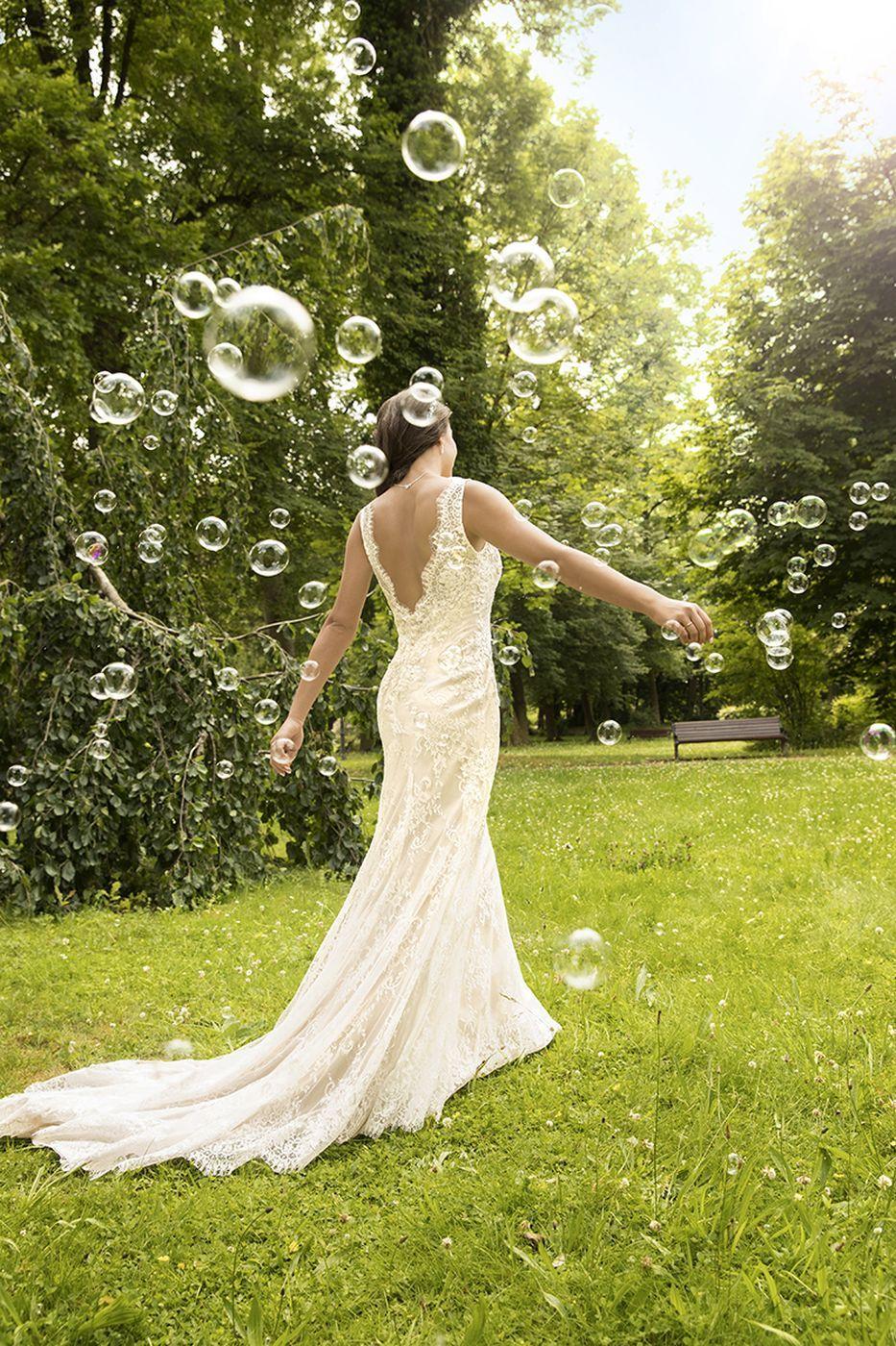 Der Frühling kann kommen! Wunderschönes Brautkleid von #Kleemeier ...