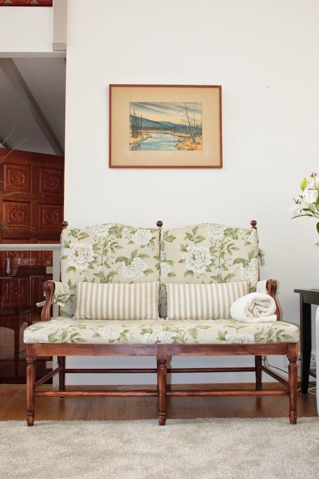 JUVIn Gripsholm-sohva #Lauritzon's kankaalla Pioni #gustavian