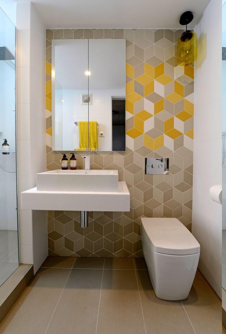 Adorable Minimalist Bathroom Designs For Small Spaces Small Bathroom Decor Bathroom Wall Tile Simple Bathroom