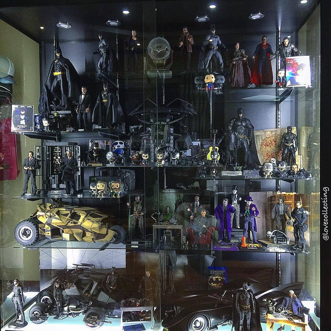 Comic Book Room Ideas: Action Figure Display Cases