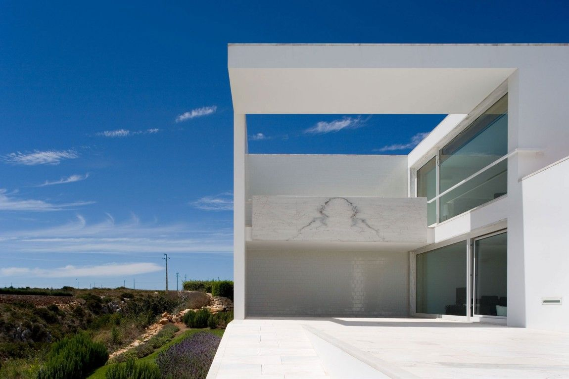 House in Martinhal by ARX Portugal