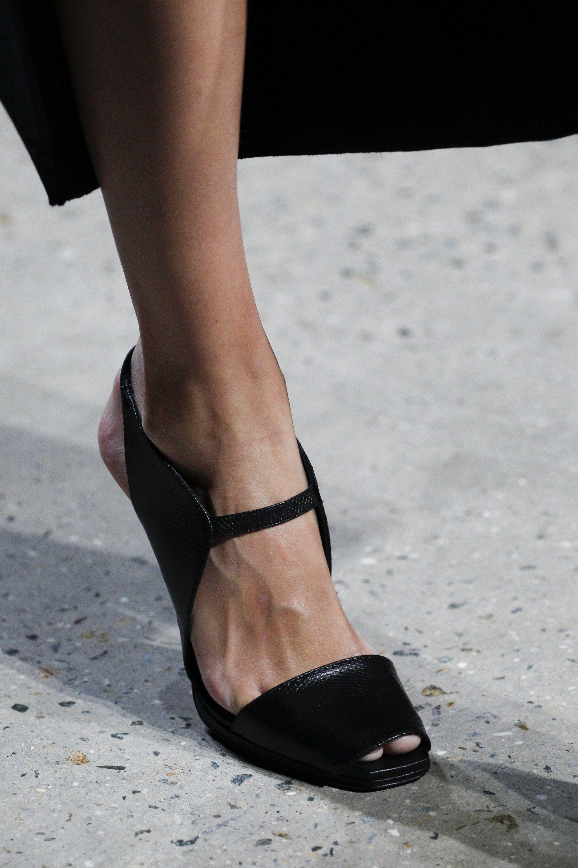 Narciso Rodriguez Spring 2016 Ready To Wear Fashion Show Details Vogue Fashion Shoes Women Shoes Fabulous Shoes