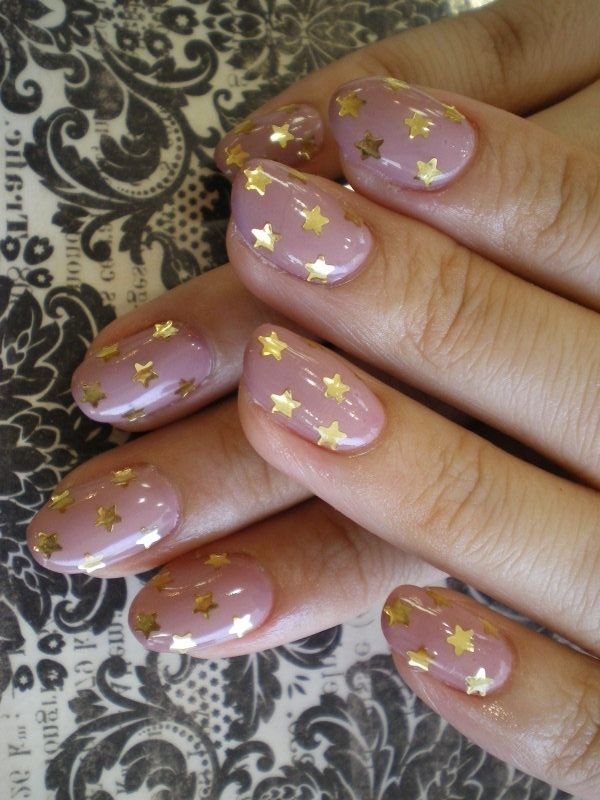 Groovy Spring Nail Art Ideas - Find the shades and manicure designs that  work best for you! Take inspiration from these groovy spring nail art ideas  for ... - Pin By Shannon McPartlin On Nails Pinterest Golden Nails, Make