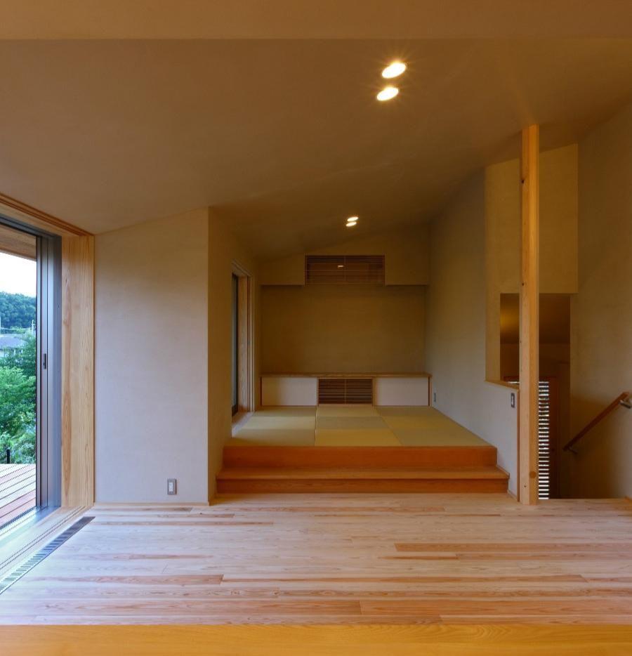 ダイニング・小上がりの畳スペース(Kさんの住家) - リビングダイニング事例|SUVACO(スバコ)