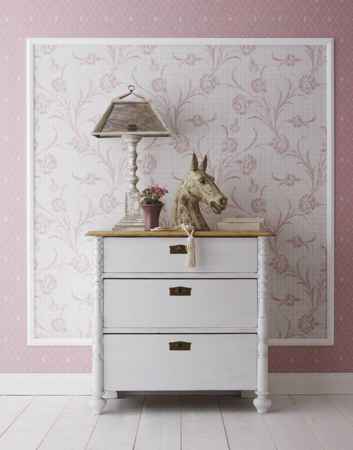 ein echter hingucker ein ton in ton muster im quadrat tapezieren und mit einer stuckleiste 4. Black Bedroom Furniture Sets. Home Design Ideas