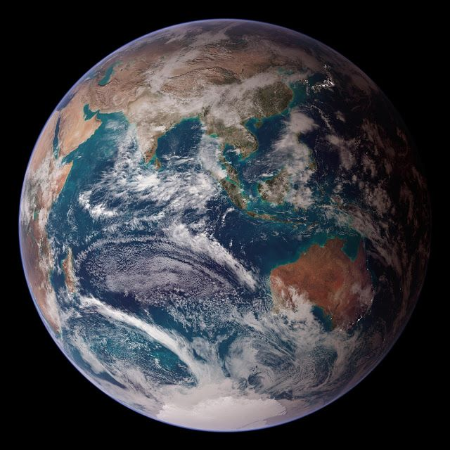 The Reel Foto Earth From Space Nasa S Blue Marble East Earth From Space Earth At Night Blue Marble