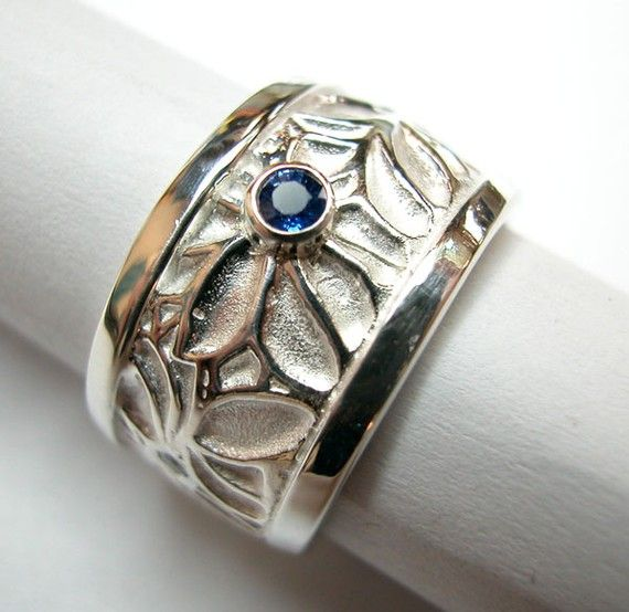 Flower sapphire ring by JanetSteinJewelry on Etsy, $260.00