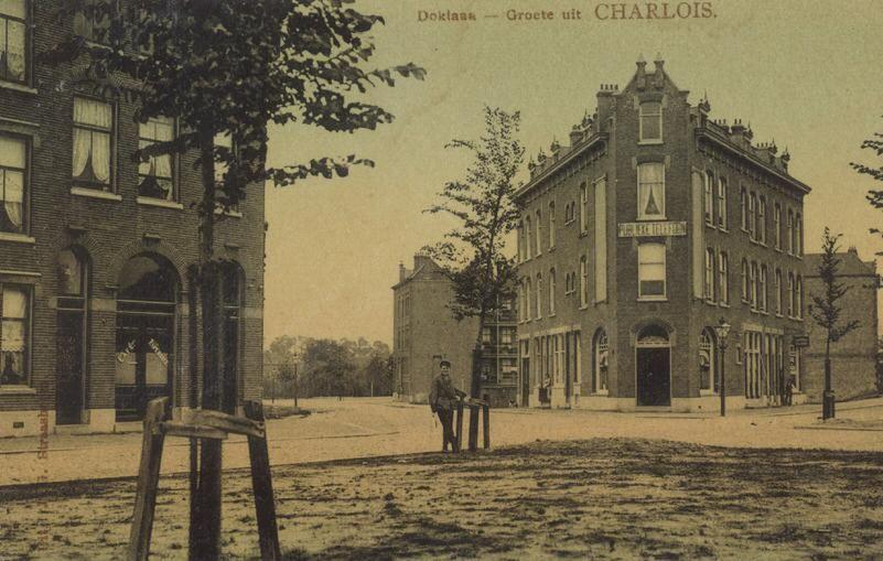 Waar Ligt Huizen : Doklaan met links de dokstraat waar nog maar weinig huizen staan