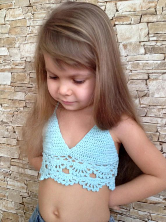 Crochet toddler baby top bra Light blue open back cotton top Beach clothing kids Bohemian crop top Halter bikini top Clothing for children #uncinettoperbambina
